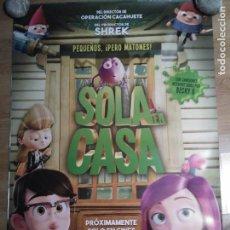 Cine: SOLA EN CASA - APROX 70X100 CARTEL ORIGINAL CINE (L56). Lote 113524995