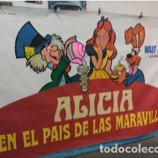 Cine: CARTEL ORIGINAL PINTADO A MANO PARA USO EN SALAS DE ESTRENO DE CINE EN BARCELONA. ALICIA EN EL PAÍS.. Lote 116795347