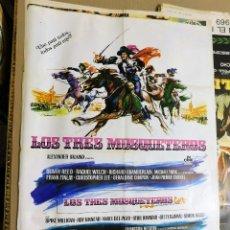 Cine: CARTEL ORIGINAL CINE LOS TRES MOSQUETEROS RAQUEL WELCH RICHARD CHAMBERLAIN GERALDINE CHAPLIN. Lote 121954343