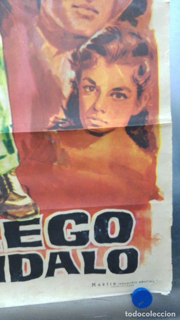 Cine: CON EL LLEGO EL ESCANDALO. ROBERT MITCHUM, ELEANOR PARKER, GEORGE HAMILTON. AÑO 1961 - Foto 7 - 121967987