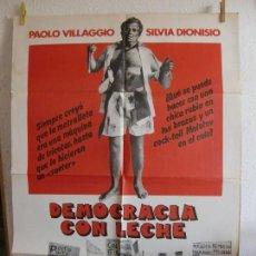 Cine: CARTEL CINE ORIG DEMOCRACIA CON LECHE (1977) 70X100 / PAOLO VILLAGGIO / SILVIA DIONISIO. Lote 294553998