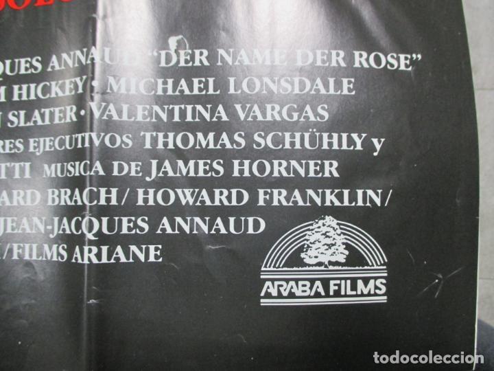Cine: CARTEL EL NOMBRE DE LA ROSA. FIRMADO POR SEAN CONNERY, F. MURRAY Y JEAN JACQUES ANNAUD. 97 X 68 CM - Foto 6 - 139942674