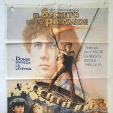 Cine: EL SECRETO DE LA PIRAMIDE - POSTER CARTEL ORIGINAL - SHERLOCK HOLMES STEVEN SPIELBERG NICHOLAS ROWE. Lote 143796994