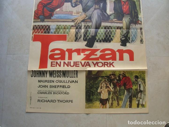 Cine: Tarzan en Nueva York.Johnny Weissmüller. Cartel original.Tamaño: 100 x 70 ctms. - Foto 3 - 145630914