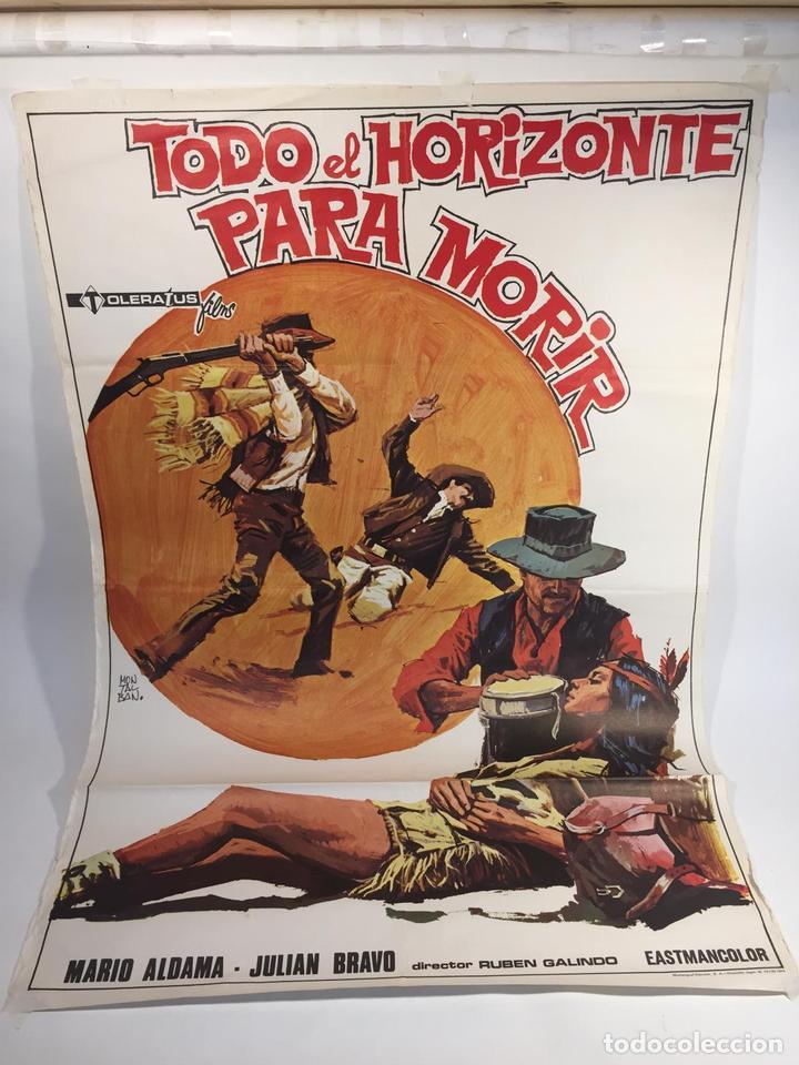 CARTELERA DE CINE ORIGINAL TODO EL HORIZONTE PARA MORIR (1974) FIRMADO POR EL GRAFISTA MONTALVO PAR (Cine - Posters y Carteles - Acción)