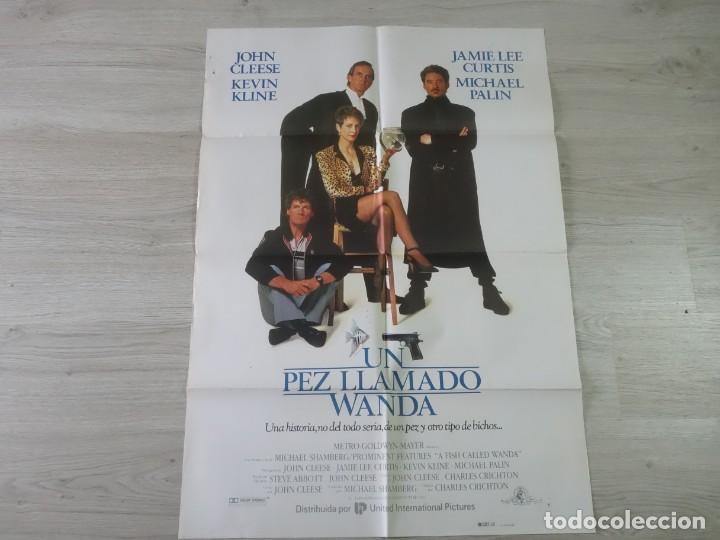 CARTEL UN PEZ LLAMADO WANDA - ORIGINAL - 70 X 100 APROX (Cine - Posters y Carteles - Comedia)