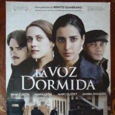 Cine: POSTERS. LA VOZ DORMIDA, INMA CUESTA, MARÍA LEÓN. MEDIDA 42 X 30CTS... Lote 148038026