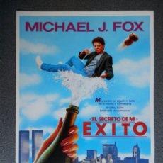 Cine: GUIA DE CINE 2 HOJAS: EL SECRETO DE MI EXITO - MICHAEL J. FOX Y HELEN SLATER. Lote 149494074