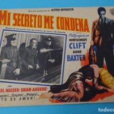 Cine: CARTEL EN CARTULINA MI SECRETO ME CONDENA. MONTGOMERY CLIFT. ANNE BAXTER. HITCHCOCK. 42 X 32 CM. Lote 149968406