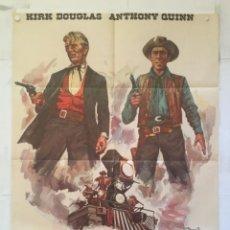 Cine: EL ULTIMO TREN DE GUN HILL - POSTER CARTEL ORIGINAL - KIRK DOUGLAS ANTHONY QUINN CAROLYN JONES ANPE. Lote 150078410