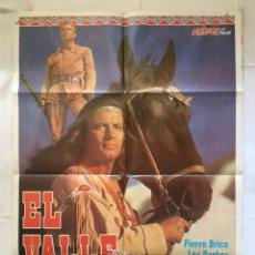 Cine: EL VALLE DE LOS HEROES - POSTER CARTEL ORIGINAL - PIERRE BRICE LEX BARKER HARALD REINL WINNETOU. Lote 151846822