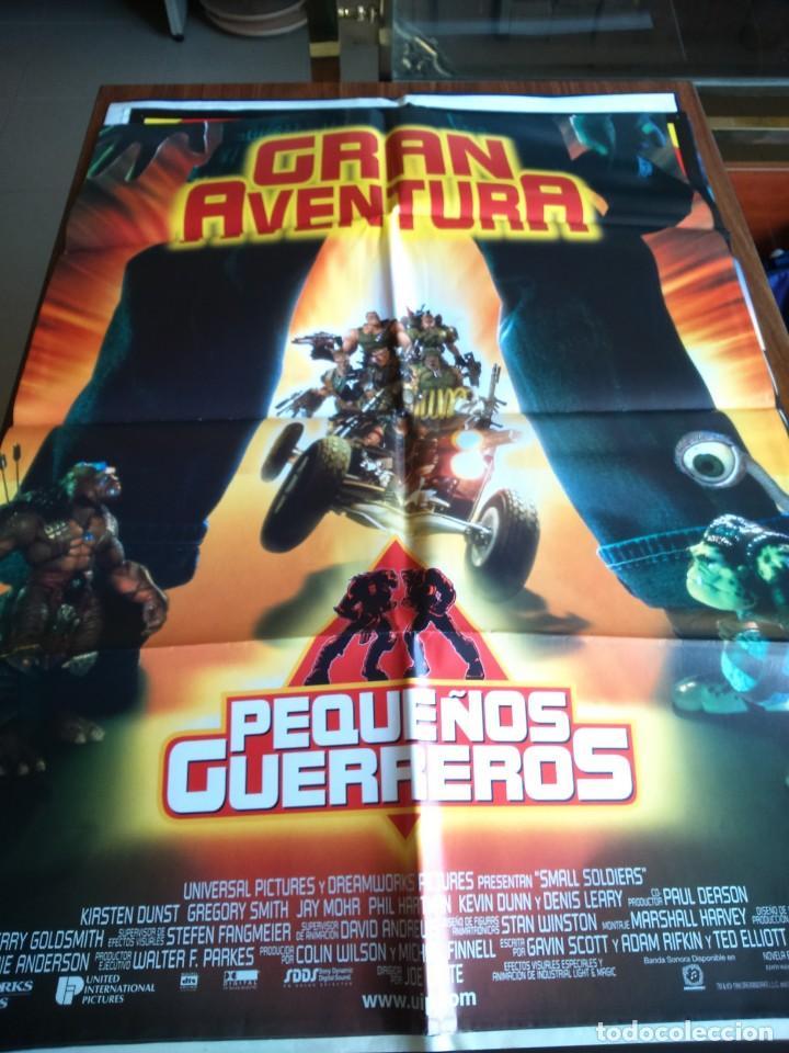 POSTER -- PEQUEÑOS GUERREROS -- POSTER GRANDE -- ORIGINALES DE CINE -- (Cine - Posters y Carteles - Aventura)