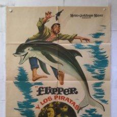 Cine: FLIPPER Y LOS PIRATAS - POSTER CARTEL ORIGINAL - LUKE HALPIN PAMELA FRANKLIN DELFIN DOLPHIN MGM. Lote 155221830