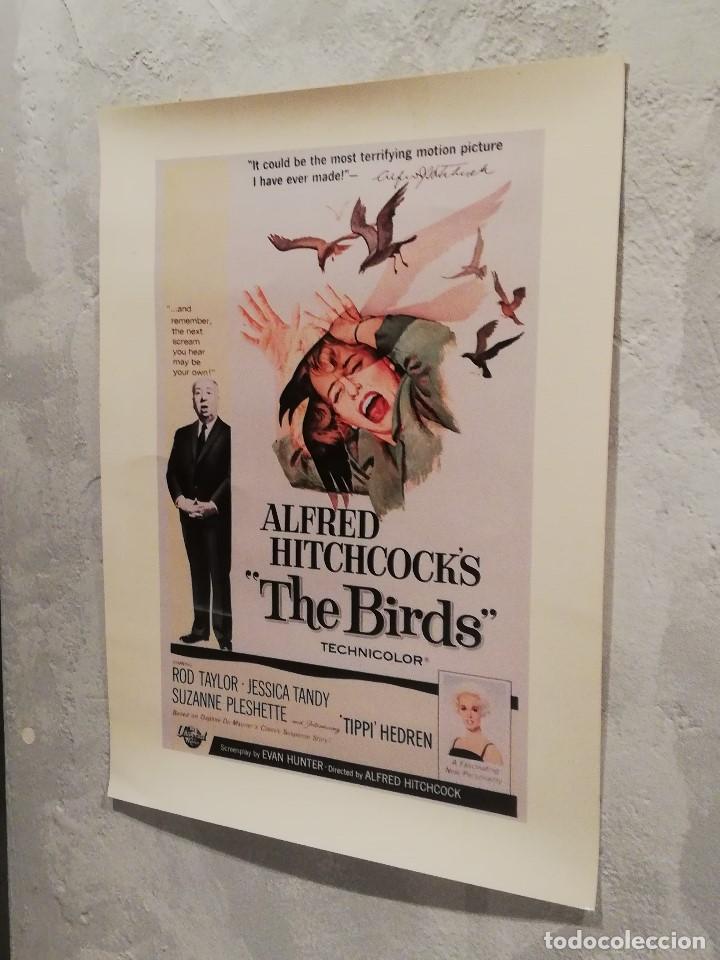 LÁMINA REPRODUCCIÓN CARTEL DE ''THE BIRDS'' (LOS PÁJAROS) DE ALFRED HITCHCOCK (Cine - Posters y Carteles - Suspense)