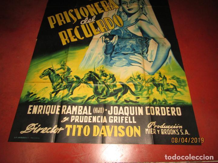 Cine: Antiguo Cartel Litografía Gigante PRISIONERA DEL RECUERDO con Paquita Rico - PERIS ARAGÓ - Foto 8 - 159245130