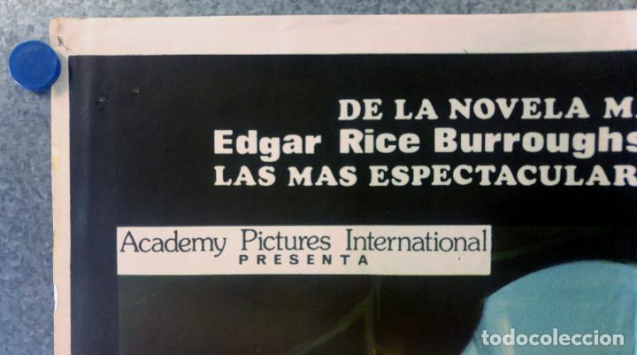 Cine: Viaje al mundo perdido. Patrick Wayne, Doug McClure AÑO 1979. POSTER ORIGINAL - Foto 2 - 163408234