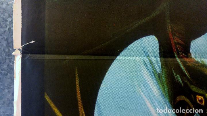 Cine: Viaje al mundo perdido. Patrick Wayne, Doug McClure AÑO 1979. POSTER ORIGINAL - Foto 6 - 163408234