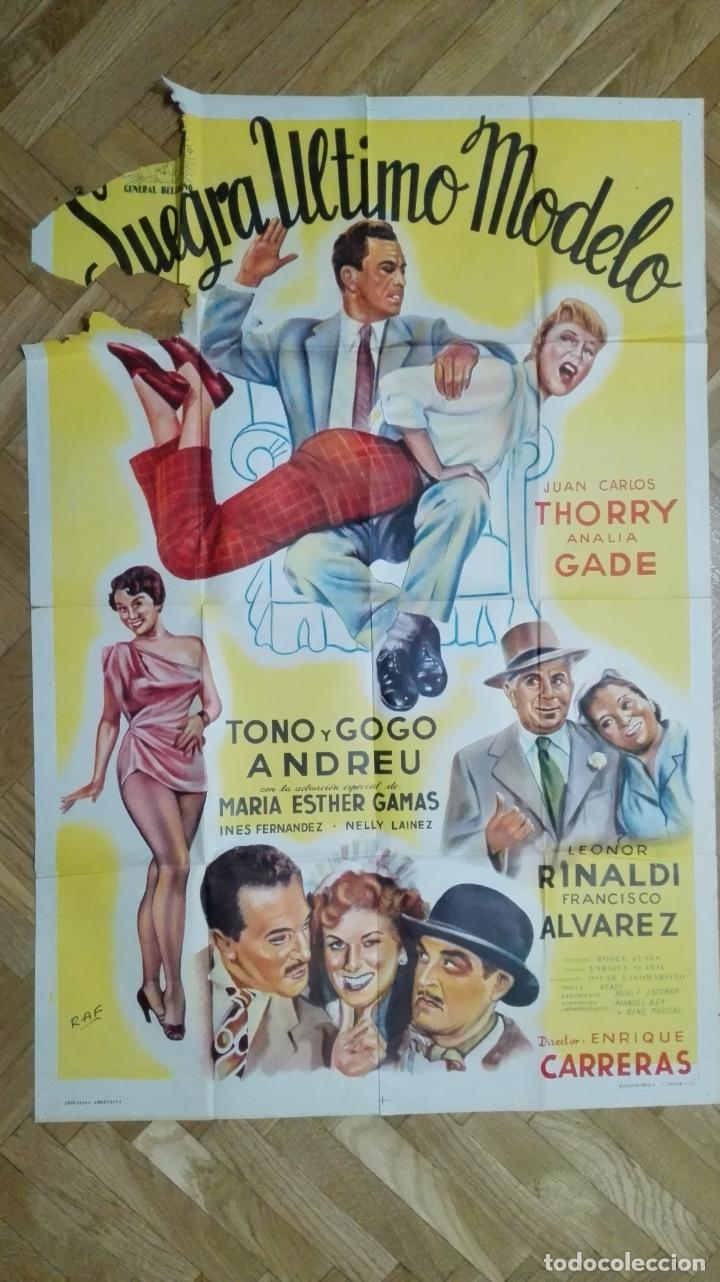 POSTER SUEGRA ULTIMO MODELO CON JUAN CARLOS THORRY Y ANALIA GADE, MEDIDAS 74 X 110 CM (Cine - Posters y Carteles - Clasico Español)