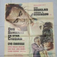 Cine: DOS SEMANAS EN OTRA CIUDAD - CARTEL ORIGINAL 1963 - KIRK DOUGLAS Y EDWARD C. ROBINSON. Lote 169929436