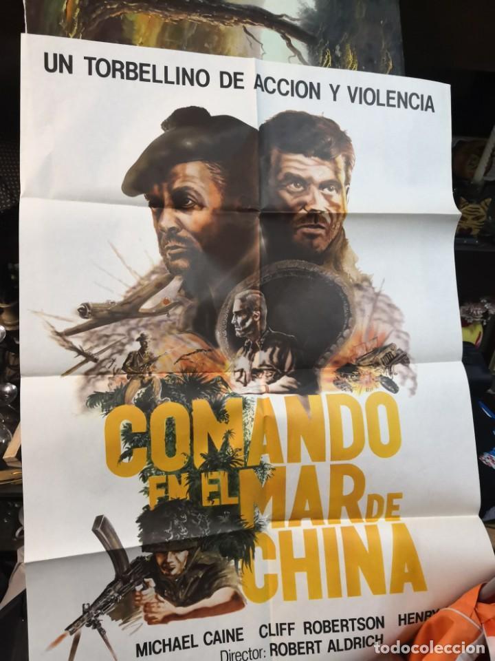 CARTEL DE CINE- MOVIE POSTER. COMANDO EN EL MAR DE CHINA. MÁS REGALO PROGRAMA DE CINE (Cine - Posters y Carteles - Bélicas)