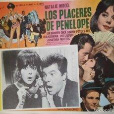 Cine: CARTEL-ANUNCIO DE LA PELÍCULA 'LOS PLACERES DE PENÉLOPE' (1966) CON NATALIE WOOD. 42X32 CMS.. Lote 171731854