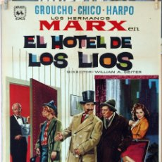 Cine: EL HOTEL DE LOS LÍOS. HNOS. MARX. CARTEL 1966. 100X70CM.. Lote 176769653