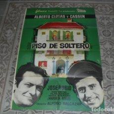 Cine: CARTEL ORIGINAL PELÍCULA - PISO DE SOLTERO - 100X70 CMS.. Lote 177896040