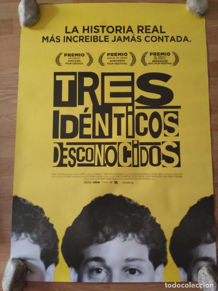 TRES IDÉNTICOS DESCONOCIDOS - APROX 70X100 CARTEL ORIGINAL CINE (L70) (Cine - Posters y Carteles - Documentales)