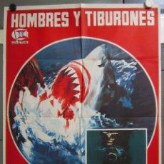 Cine: ZW93 HOMBRES Y TIBURONES SUBMARINISMO DOCUMENTAL POSTER ORIGINAL 70X100 ESTRENO. Lote 179532477