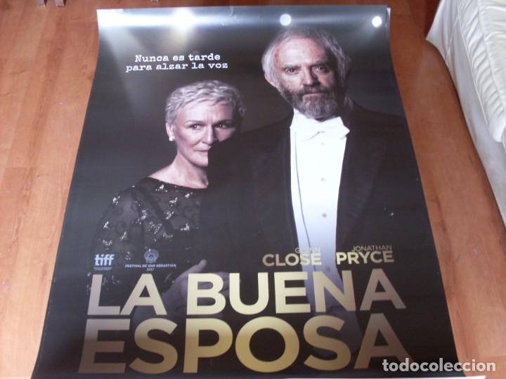 LA BUENA ESPOSA - GLENN CLOSE, JONATHAN PRYCE, CHRISTIAN SLATER,MAX IRONS - CARTEL ORIGINAL AÑO 2017 (Cine- Posters y Carteles - Drama)