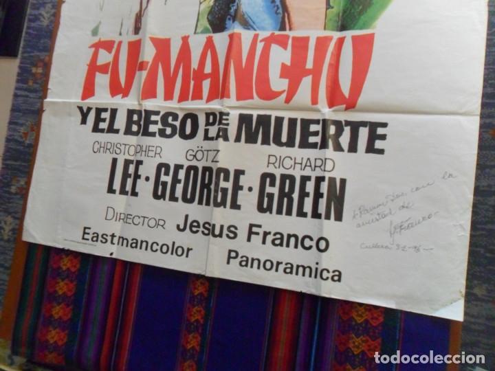 Cine: CON AUTÓGRAFO DE JESÚS JESS FRANCO, CARTEL FU-MANCHU Y EL BESO DE LA MUERTE. 100X69 CMS. MÍTICO. - Foto 3 - 180191951