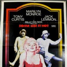 Cine: MARILIN MONROE - CARTEL CON FALDAS Y A LO LOCO 1980. Lote 180202132