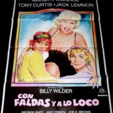 Cine: MARILIN MONROE - CARTEL CON FALDAS Y A LO LOCO - ESPAÑA 1982. Lote 180202577