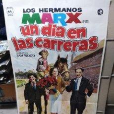 Cine: UN DIA EN LAS CARRERAS HERMANOS MARX POSTER ORIGINAL 70X100 Q. Lote 39217867