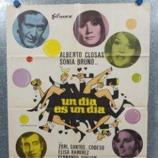 Cine: UN DÍA ES UN DÍA. ALBERTO CLOSAS, SONIA BRUNO. AÑO 1968. POSTER ORIGINAL.. Lote 182398301