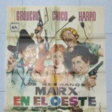 Cine: LOS HERMANOS MARX EN EL OESTE - POSTER ORIGINAL CINE 1962.. Lote 183475696