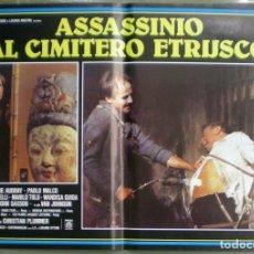 Cine: 2VB60D EL ASESINO DEL CEMENTERIO ETRUSCO SERGIO MARTINO SET 8 POSTERS ORIGINALES ITALIANOS 47X68. Lote 183521448