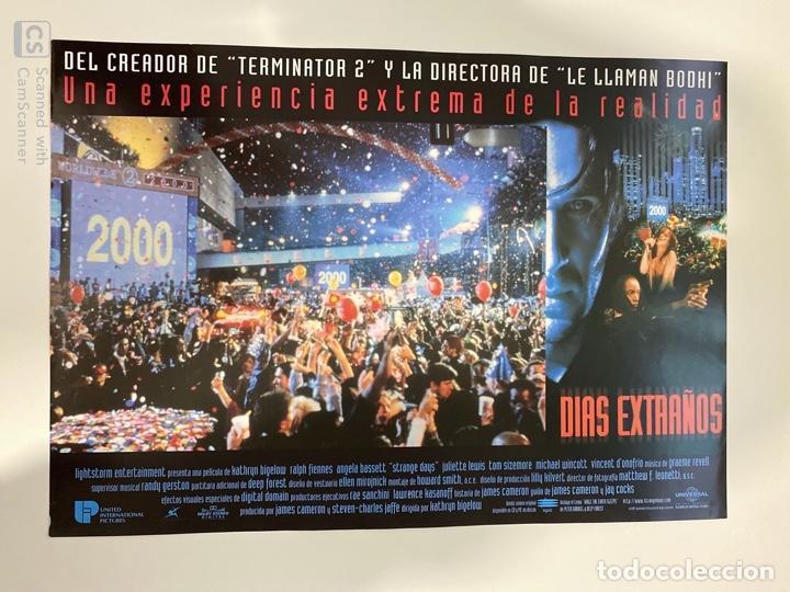 AFICHE DE CINE. PELICULA DIAS EXTRAÑOS. MEDIDAS APROX.: 34 X 24 CM (Cine - Posters y Carteles - Suspense)