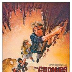 Cine: THE GOONIES . LÁMINA CARTEL. 45 X 32 CMS.. Lote 184257588