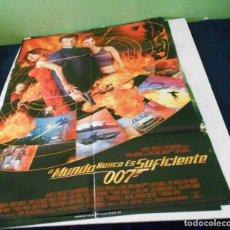 Cine: EL MUNDO NUNCA ES SUFICIENTE JAMES BOND 007 CARTEL POSTER CINE ORIGINAL 70X100 CMS. Lote 184284103