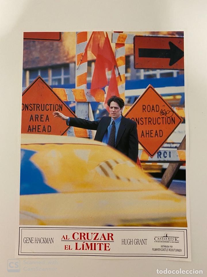 AFICHE DE CINE. PELICULA: AL CRUZAR EL LIMITE. HUGH GRANT. MEDIDAS APROX.: 24 X 34 CM (Cine - Posters y Carteles - Suspense)