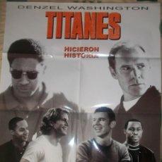 Cine: CINE. CARTEL ORIGINAL DE LA PELÍCULA TITANES, HICIERON HISTORIA (2000). CON DENZEL WASHINGTON. Lote 185885255