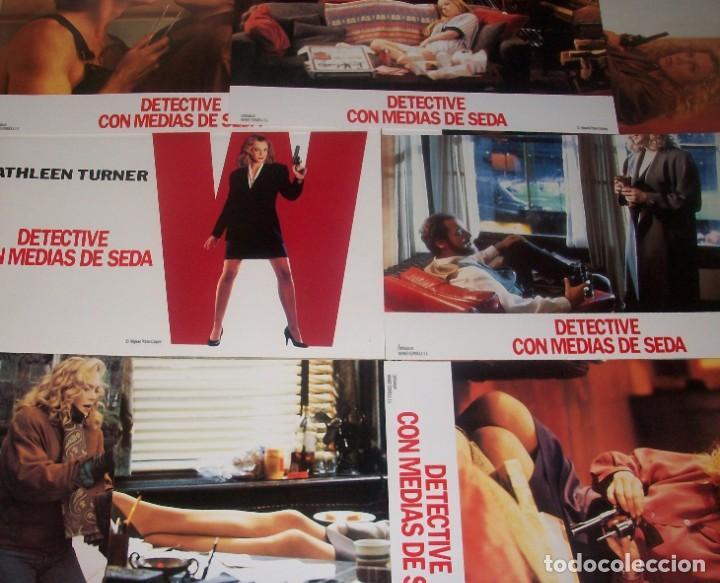 Cine: Lote de 8 afiches de la película Detective con medias de seda (1991). Con Kathleen Turner - Foto 2 - 186071405