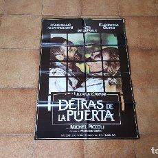Cine: POSTER CARTEL DETRAS DE LA PUERTA (100 X 70 CMS. APROX.) FILM DE LILIANA CAVANI. Lote 186420737