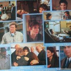 Cine: LOTE DE 11 AFICHES/FOTOCROMOS DE LA PELÍCULA MIENTRAS DORMÍAS. 1995. CON SANDRA BULLOCK. Lote 187078795