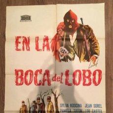 Cine: CARTEL DE CINE DEL ESTRENO DE LA PELÍCULA EN LA BOCA DEL LOBO (1968). Lote 187542063