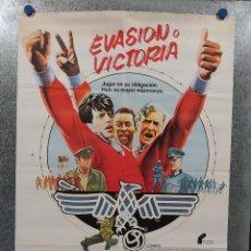 Cinéma: EVASIÓN O VICTORIA. SYLVESTER STALLONE, MICHAEL CAINE AÑO 1981. POSTER ORIGINAL. Lote 188578806