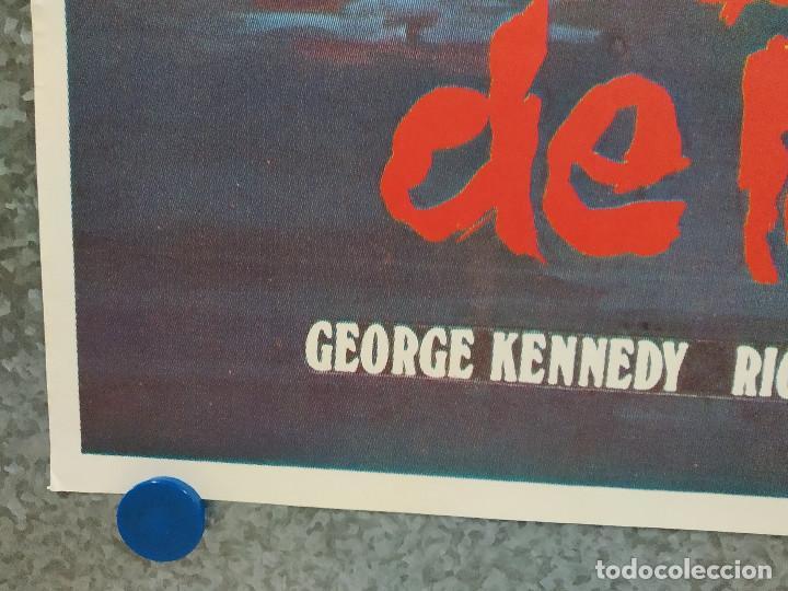 Cine: El barco de la muerte. George Kennedy, Nick Mancuso, Saul Rubinek . AÑO 1981. POSTER ORIGINAL - Foto 5 - 189810332