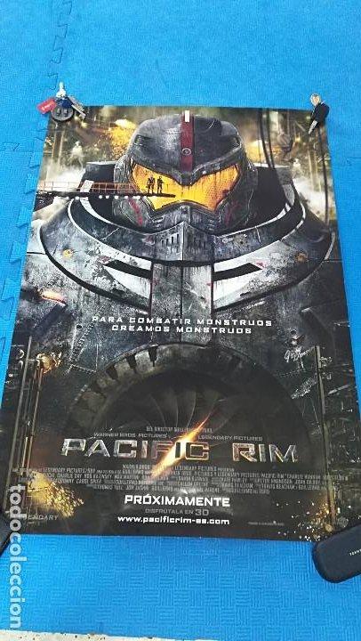 POSTER PACIFIC RIM DE UNOS 100X70 CM (Cine - Posters y Carteles - Ciencia Ficción)