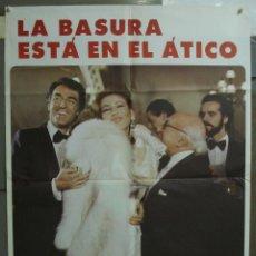 Cine: CDO 232 LA BASURA ESTA EN EL ATICO RAQUEL EVANS IQUINO CRISTINE BERNA POSTER ORIGINAL 70X100 ESTRENO. Lote 194512068